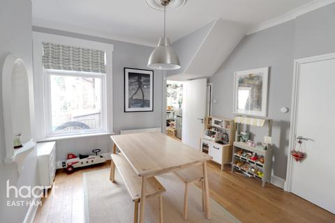 3 bedroom terraced house for sale - Marlow Road, London