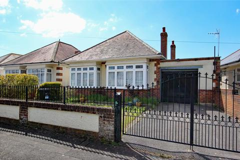 2 bedroom bungalow for sale - Denmead Road, Bournemouth, BH6