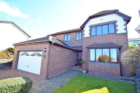 5 bedroom detached house for sale - Vincent Avenue, Llandudno