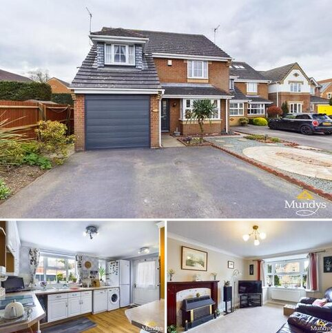 4 bedroom detached house for sale - Heron Walk, North Hykeham