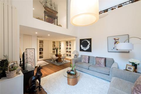2 bedroom mews to rent - Queen's Gate Place Mews, London, SW7