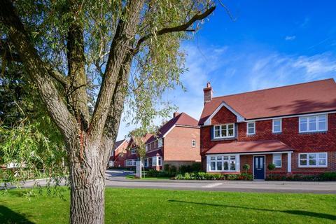 4 bedroom detached house for sale - LEATHERHEAD, KT22