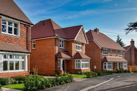 4 bedroom house for sale - PRINCES CHASE, LEATHERHEAD KT22