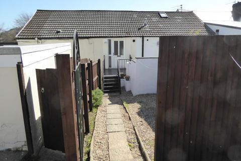 1 bedroom flat to rent - Commercial Road, Machen , Caerphilly