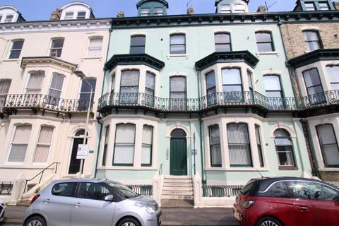 2 bedroom flat for sale - Carlton Terrace, Scarborough