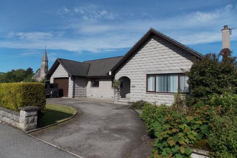 4 bedroom bungalow for sale - Northfield, Richmond Avenue, Rhynie