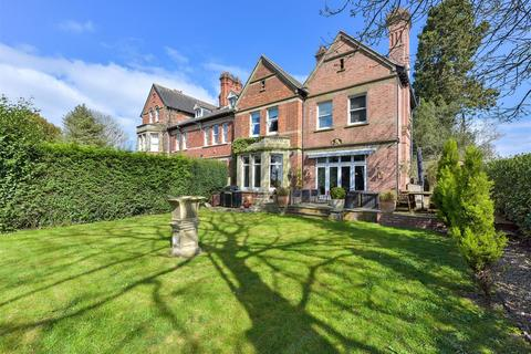 3 bedroom house for sale - Burton Road, Elford