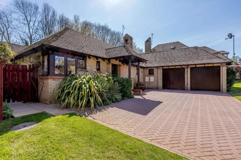 3 bedroom detached bungalow for sale - Sunningdale, Orton Waterville, Peterborough, PE2