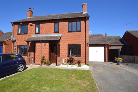 3 bedroom semi-detached house for sale - 5, Kings Drive, Baschurch, SY4