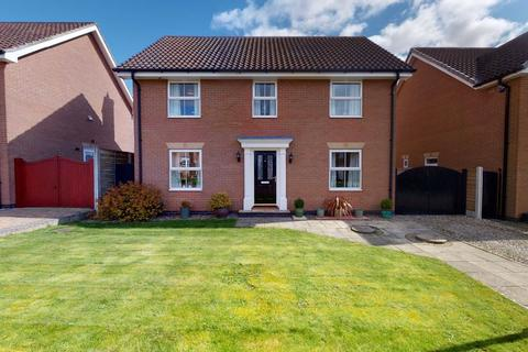 4 bedroom detached house for sale - Lysander Drive, Market Weighton