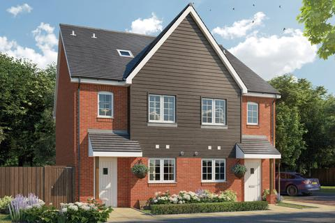3 bedroom terraced house for sale - Plot 58, The Firecrest at Cathedral Park, Bartholomews, Bognor Road, Chichester PO19