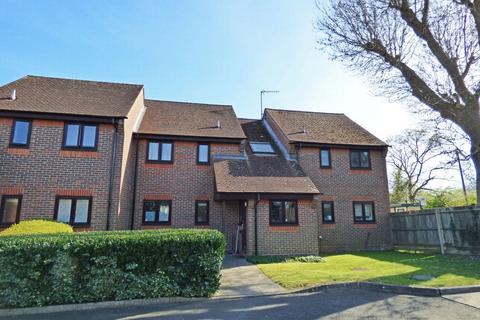 1 bedroom flat for sale - Old School Place, Meadow Lane, RH15