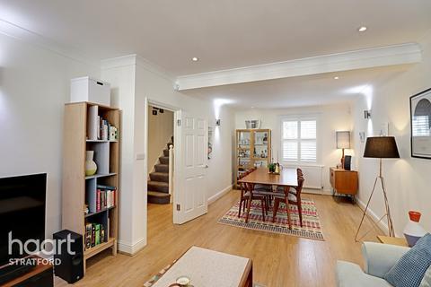 4 bedroom terraced house for sale - Heyworth Road, London
