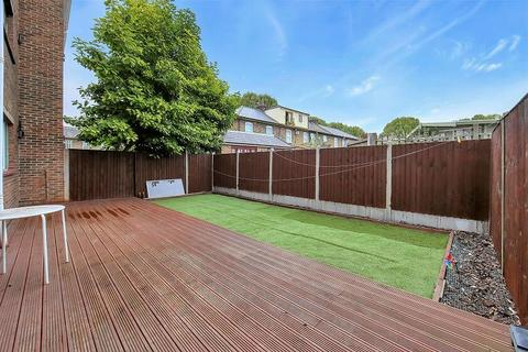 4 bedroom flat to rent - Julian Place, Isle of Dogs, London, E14 3AT