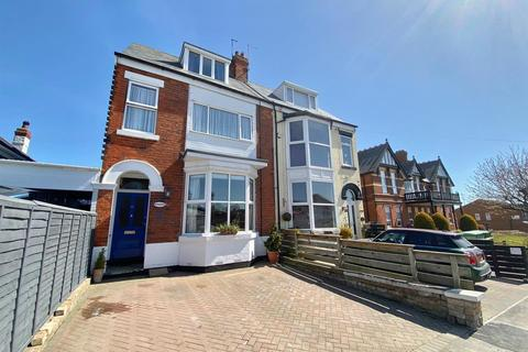 6 bedroom house for sale - Cliff Road, Hornsea