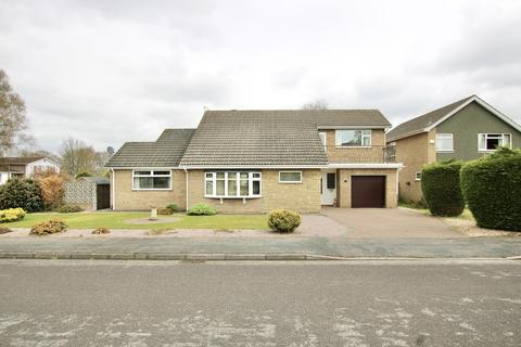 4 bedroom detached house for sale - Roxborough Close, Lincoln
