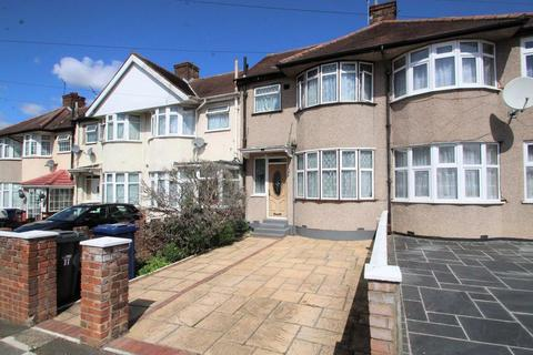 3 bedroom terraced house to rent - Cedra Grove , UB1