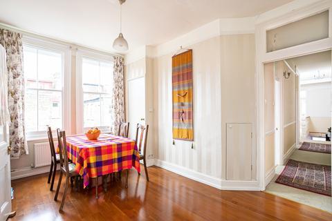 3 bedroom flat for sale - Highlands Avenue, Acton, W3