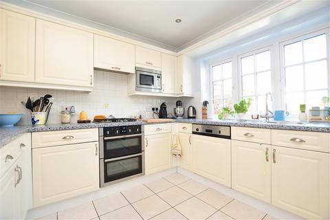 3 bedroom semi-detached house for sale - Ashdene Gardens, Ashington, West Sussex
