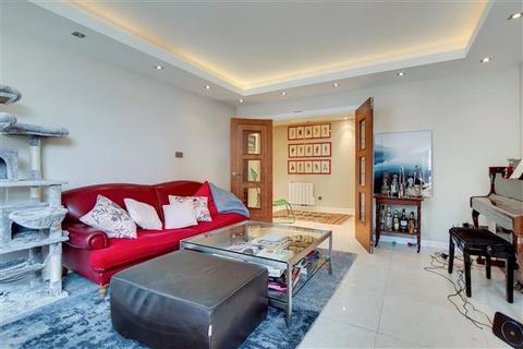 3 bedroom flat for sale - MANOR HOUSE COURT, WARRINGTON GARDENS, London, W9