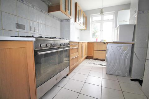 3 bedroom terraced house to rent - Lyndhurst Road, Wood Green, N22
