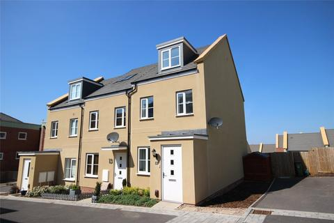 3 bedroom end of terrace house for sale - Coleford Road, Oakley Grange, Cheltenham, GL52