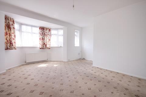 4 bedroom maisonette to rent - 52a Caernarvon Drive, Ilford, IG5