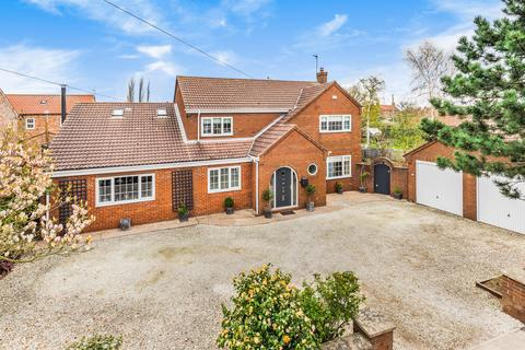 5 bedroom detached house for sale - Warren House, High Street, Barmby on the Marsh, Goole, DN14 7HT
