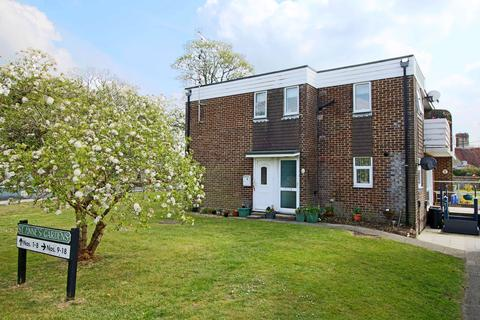 2 bedroom flat for sale - St Annes Gardens, Keymer, Hassocks, West Sussex, BN6 8RA.