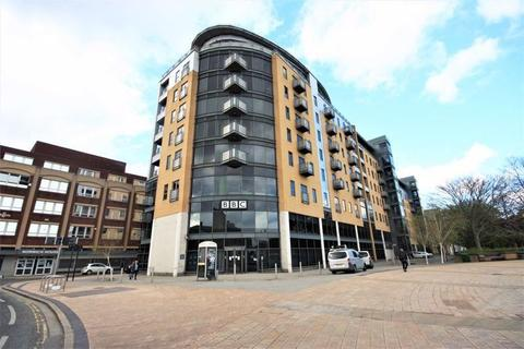 2 bedroom flat for sale - Queens Dock Avenue, Hull, East Riding of Yorkshire, HU1 3DR