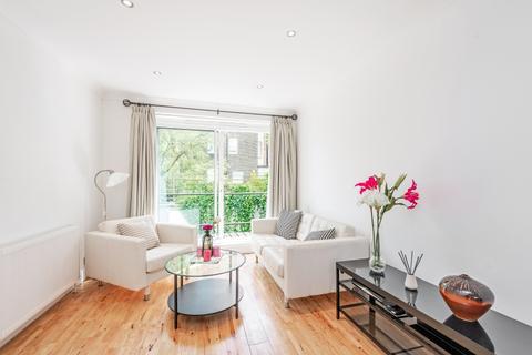 3 bedroom mews to rent - Queensborough Mews London W2