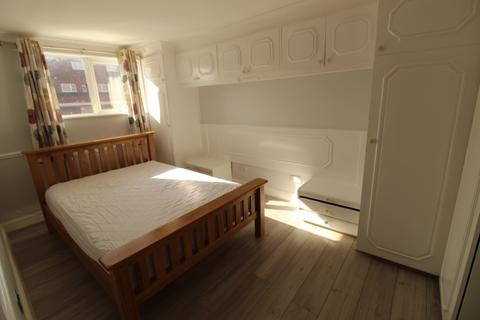 3 bedroom terraced house to rent - Northolt, UB5