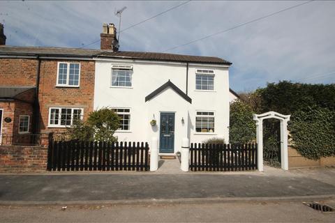 3 bedroom semi-detached house for sale - Uttoxeter Road, Blythe Bridge, Stoke-on-trent, ST11