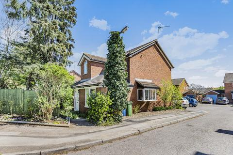 4 bedroom detached house for sale - Stanley Close, Marlow, SL7 1XL
