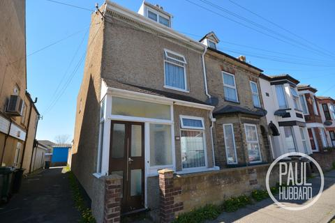 4 bedroom end of terrace house for sale - Beresford Road, Lowestoft, Suffolk