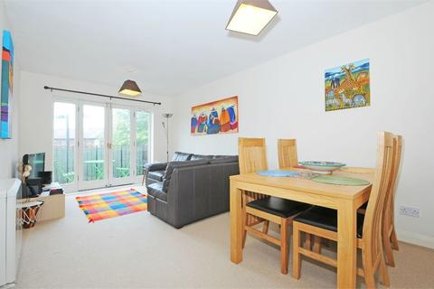 2 bedroom apartment to rent - Waterloo Mansions, Webber Street SE1