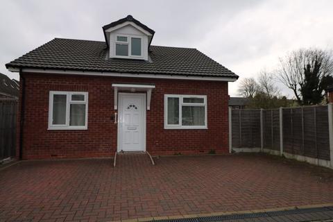 3 bedroom detached bungalow to rent - Kenilworth Close, Tipton