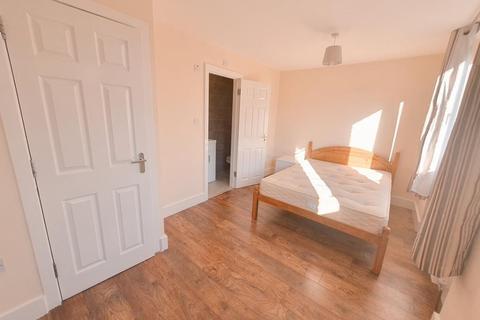 4 bedroom flat to rent - Seyssel Street, Island Gardens / Greenwich, London, E14 3EH