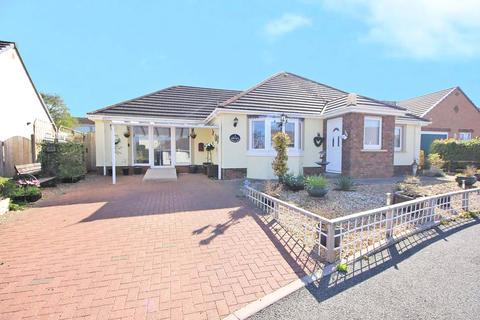 2 bedroom bungalow for sale - Cooks Close, Pembroke, Dyfed, SA71