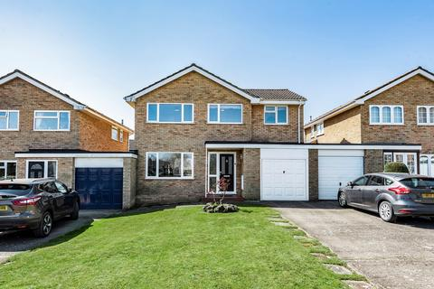 4 bedroom link detached house for sale - Tennyson Road, Flitwick, MK45