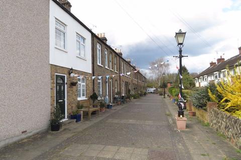 2 bedroom cottage to rent - Buckhurst Hill