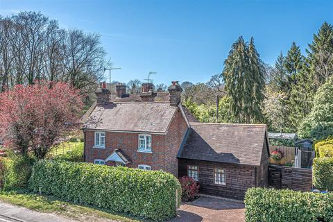 3 bedroom cottage for sale - Petworth Road, Ramsnest, Chiddingfold