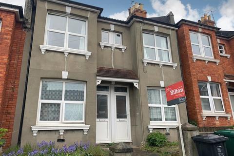 3 bedroom flat to rent - Sandown Road, Brighton