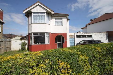 3 bedroom detached house for sale - Ainslie Wood Road, Chingford