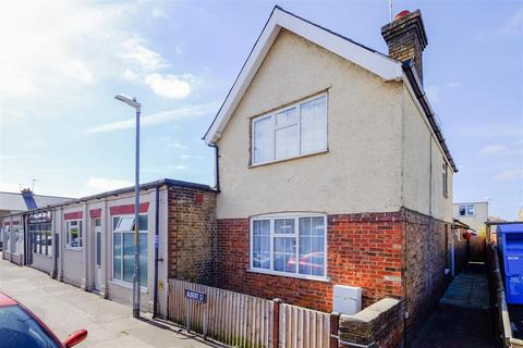 3 bedroom semi-detached house for sale - Albert Street, Whitstable