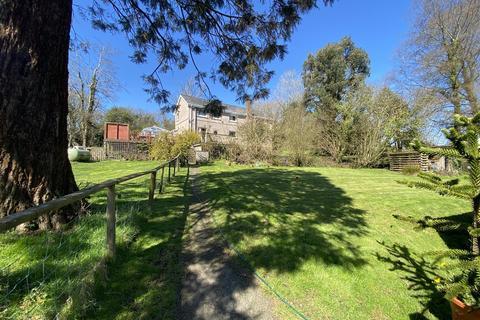 5 bedroom property with land for sale - Glynhir Road, Llandybie, Ammanford