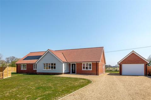 4 bedroom detached bungalow for sale - Plot 4, The Old Nurseries, Hawkes Lane, Bracon Ash, Norwich, NR14