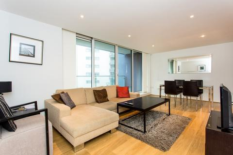 3 bedroom apartment for sale - Fathom Court, Basin Approach, Royal Docks E16