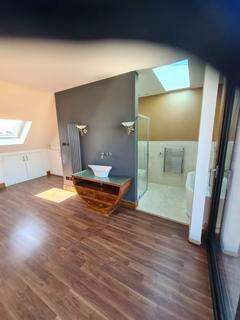 4 bedroom semi-detached house to rent - Acton,, W3