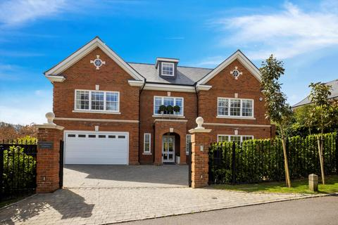 5 bedroom detached house for sale - High Drive, Oxshott, Leatherhead, Surrey, KT22